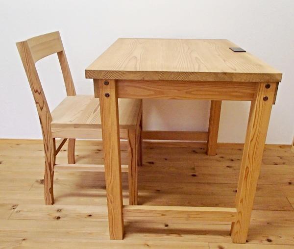 【百年杉】のデスクやテーブル