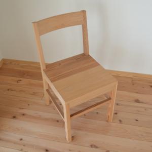 百年杉のあたたかい椅子