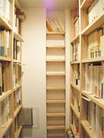 本棚も尾鷲香杉でお造りしました