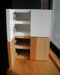 2つの家具(白と木目)