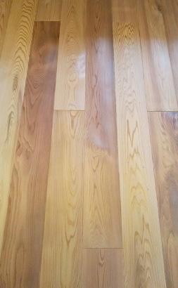 【200年杉】の床材