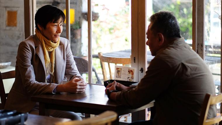対談する加藤政実と小倉洋子
