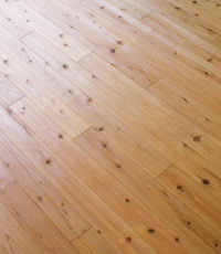 スギの床板