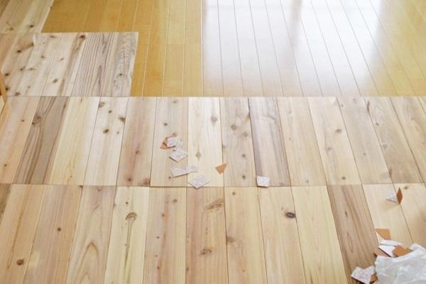 百年杉の床タイル