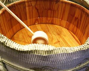 日本酒をおいしく保存する杉