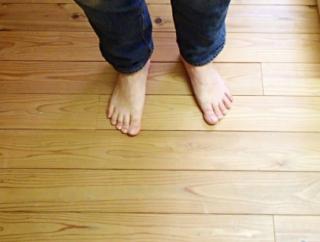 裸足の素足での生活