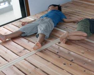 百年杉のベッドと眠り